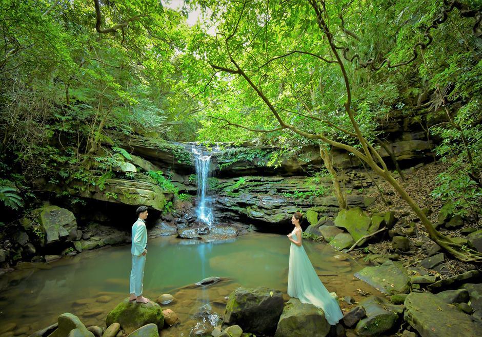 沖縄西表島フォト・ウェディング/ Iriomote Island Okinawa Kura Waterfall Photo Wedding/ クーラの滝/挙式前撮影