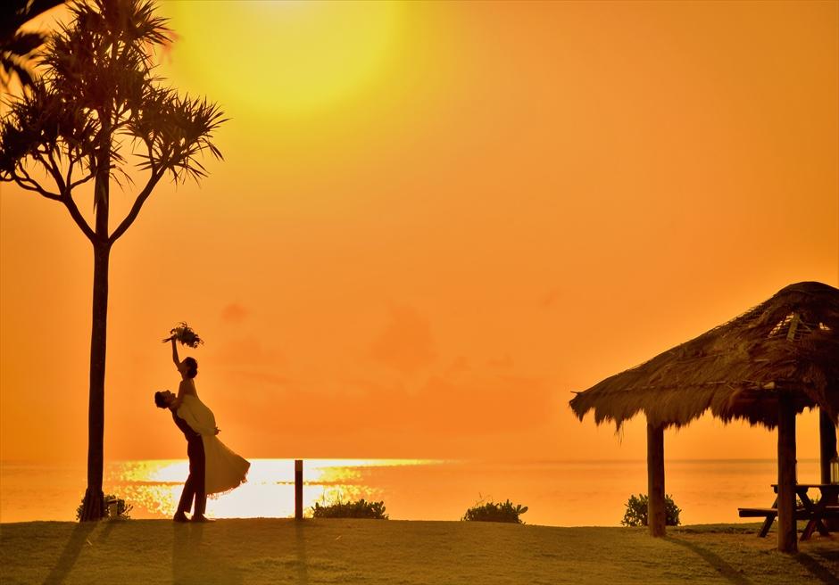 沖縄石垣島フォト・ウェディング/ Ishigaki Seaside Hotel Beach Sunset Photo Wedding/ 石垣シーサイドホテル/サンセット・フォトウェディング