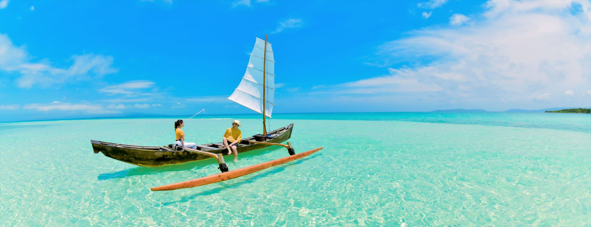 沖縄竹富島フォトウェディング Taketomi Island Okinawa Beach Sabani Boat Photo Wedding 竹富島コンドイ・ビーチ・サバニ舟フォトウェディング