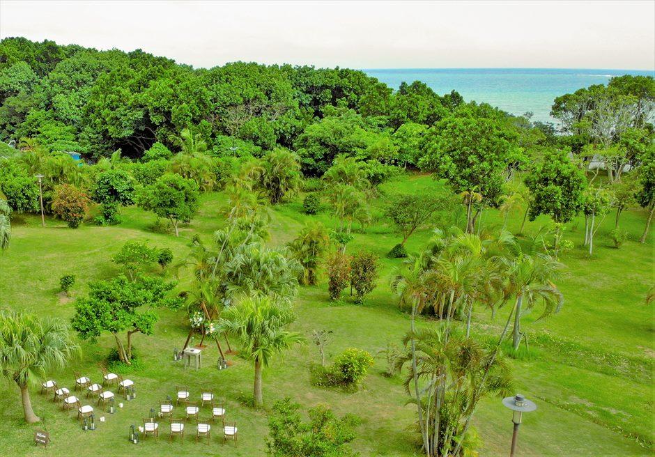 石垣リゾートホテル・沖縄結婚式 トロピカル・ガーデン・ウェディング 挙式会場&オーシャン全景