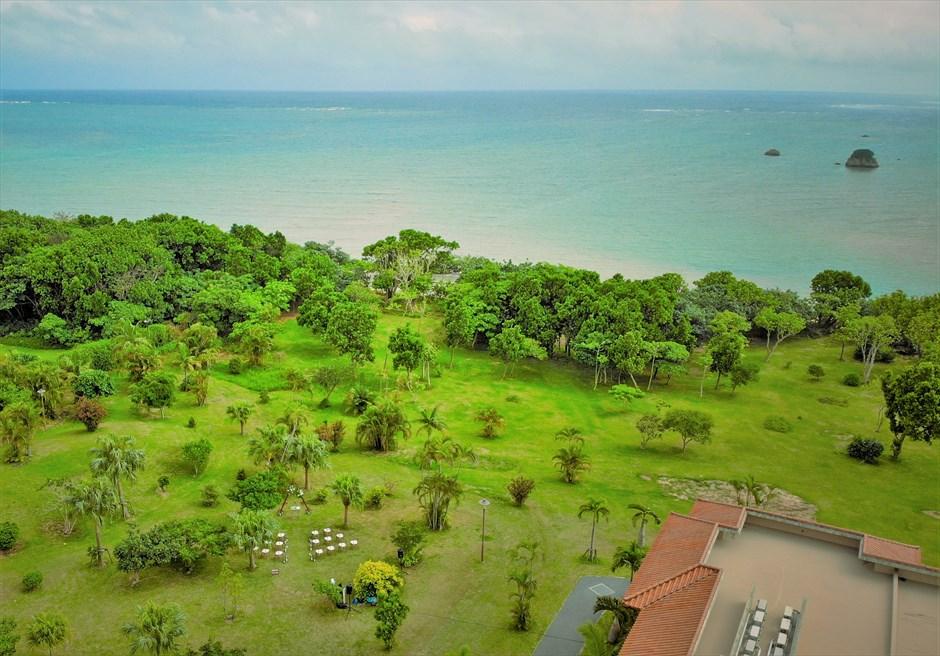 石垣リゾートホテル・沖縄結婚式 トロピカル・ガーデン・ウェディング リゾートガーデン&オーシャン全景