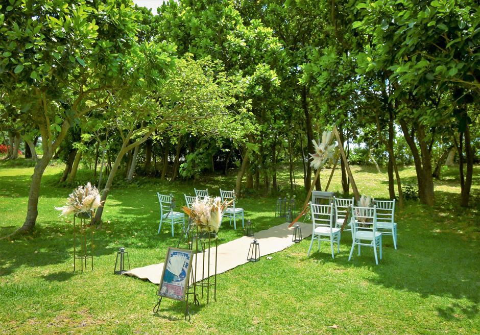 石垣リゾートホテル結婚式 ピースフル・ガーデン・ウェディング 静寂に包まれた挙式会場全景