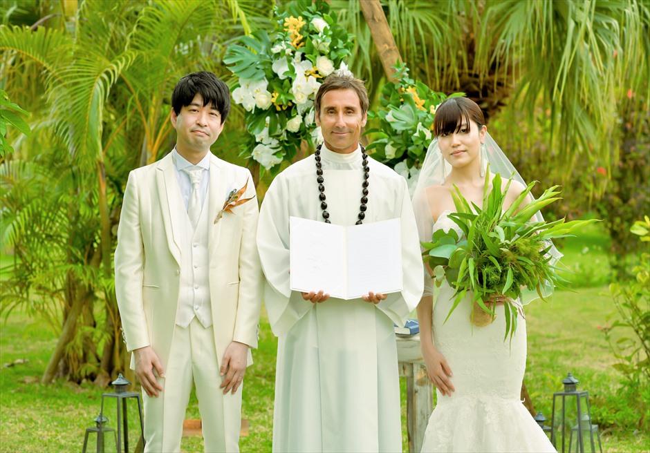 石垣リゾートホテル・沖縄結婚式 トロピカル・ガーデン・ウェディング 結婚証明書