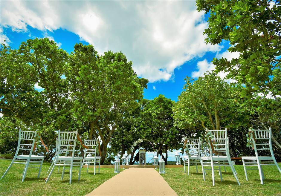 石垣リゾートホテル・沖縄結婚式 オーシャンフロント・デッキ・ウェディング ヘンプ(麻)のバージンロード