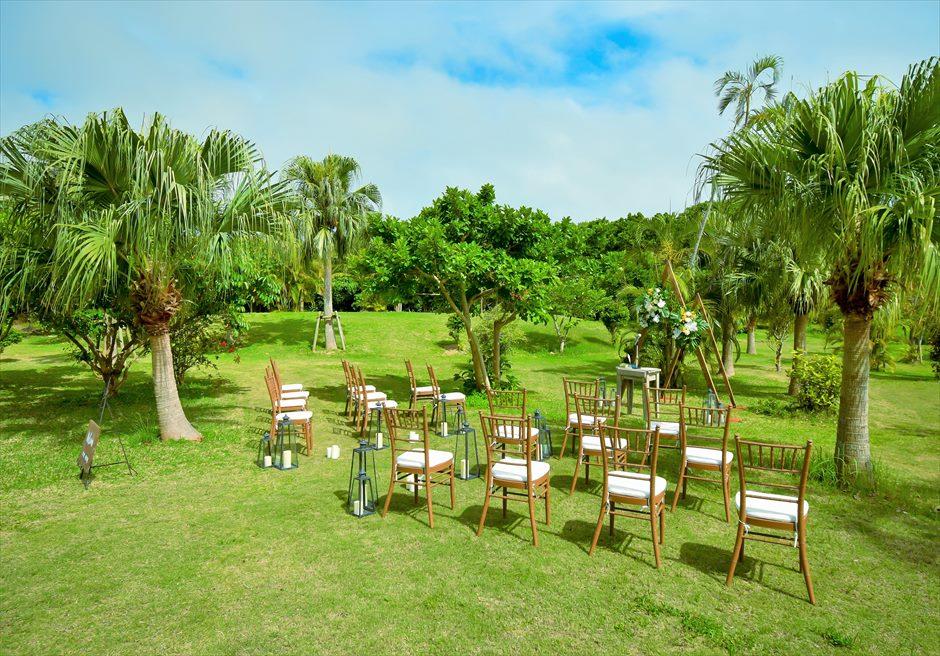 石垣リゾートホテル・沖縄結婚式 トロピカル・ガーデン・ウェディング 広大なガーデンを舞台にした挙式会場