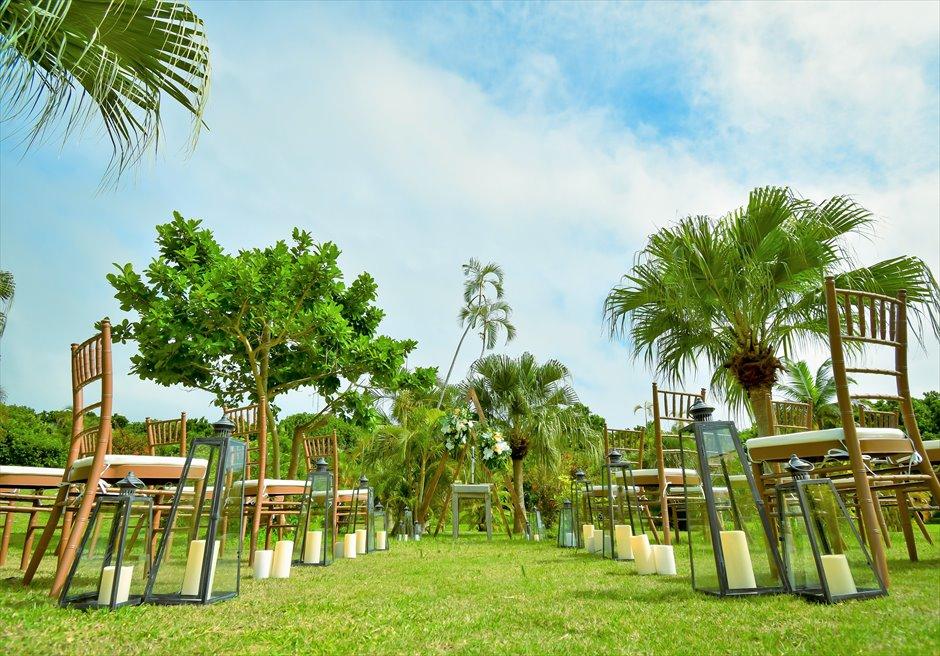 石垣リゾートホテル・沖縄結婚式 トロピカル・ガーデン・ウェディング バージンロード装飾