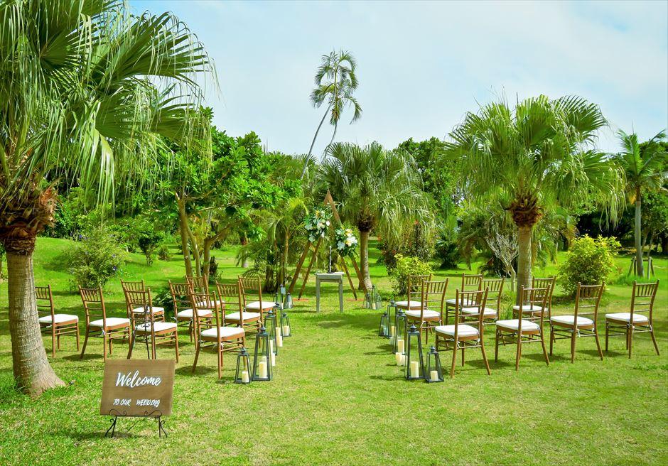 石垣リゾートホテル・沖縄結婚式 トロピカル・ガーデン・ウェディング 熱帯雨林が生い茂る挙式会場
