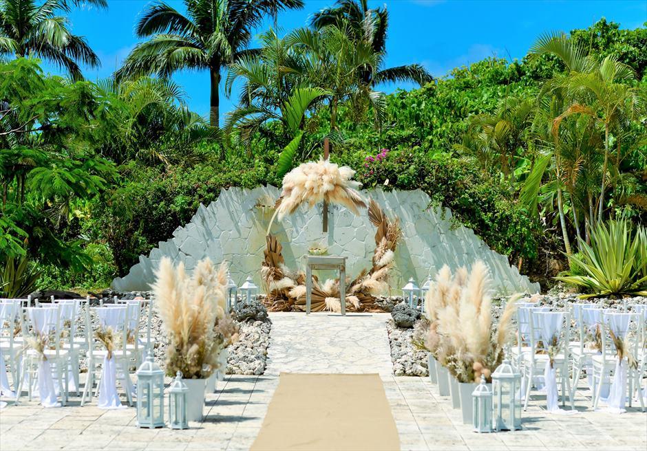 コーラル・テラス石垣島 コーラル・チャペル ラスティック・ウェディング 挙式会場装飾