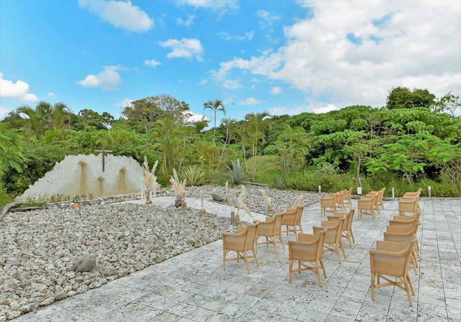 コーラル・テラス石垣島・沖縄結婚式│コーラル・チャペル・ウェディング│珊瑚で建てられたオープンエアチャペル