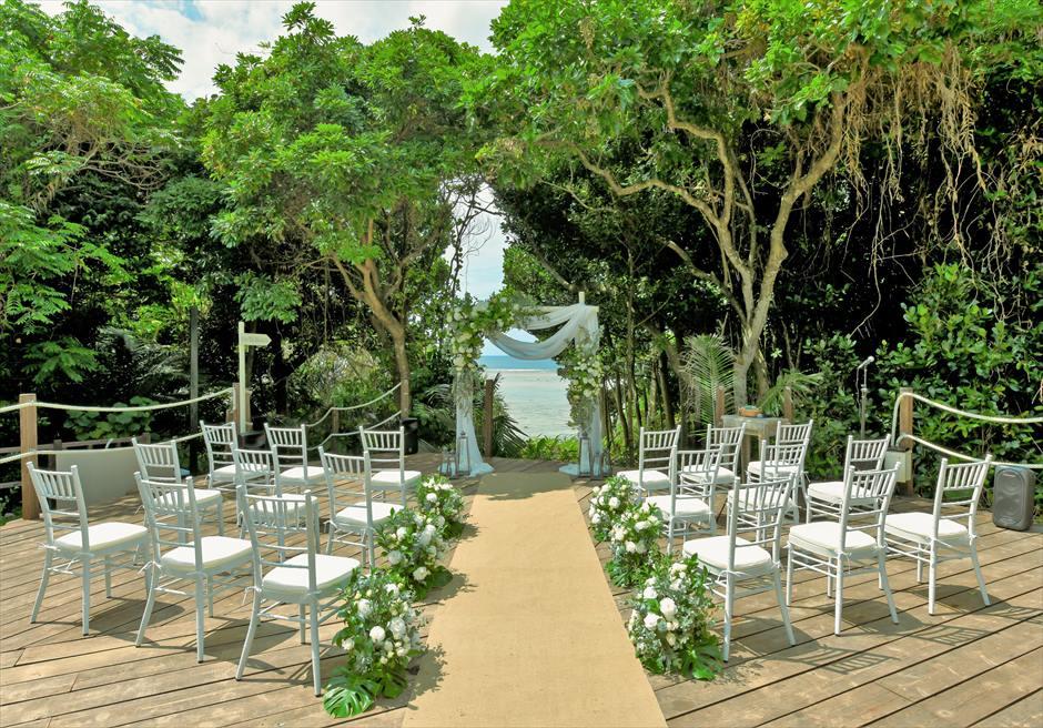 沖縄・石垣島コーラル・テラス結婚式 ラグジュアリー・デッキ・ウェディング 挙式会場全景