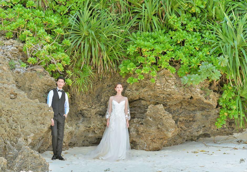 コーラル・テラス石垣島フォトウェディングビーチ・ロック挙式前撮影