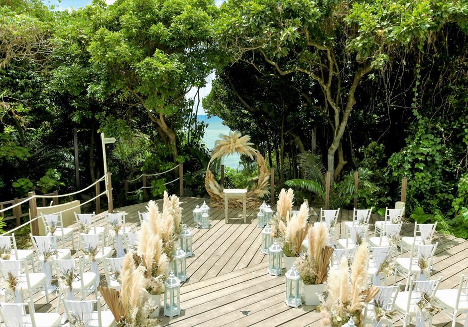 コーラル・テラス石垣島 オーシャンフロントデッキ ラスティック・ウェディング 挙式会場装飾