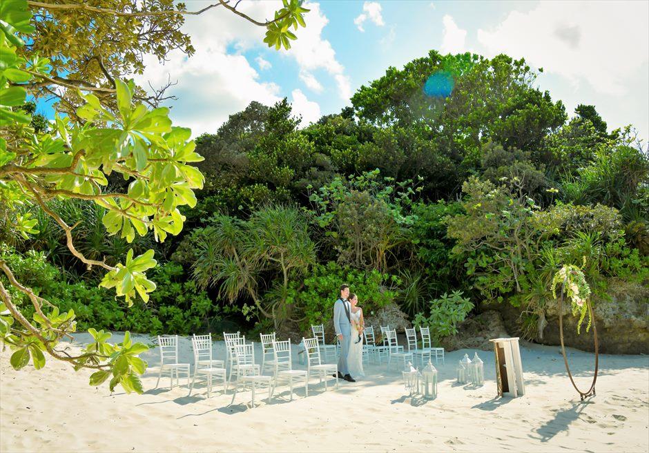 コーラル・テラス石垣島・沖縄結婚式│シークレット・ビーチ・ウェディング│真っ白な砂とジャングルに囲まれ挙式会場