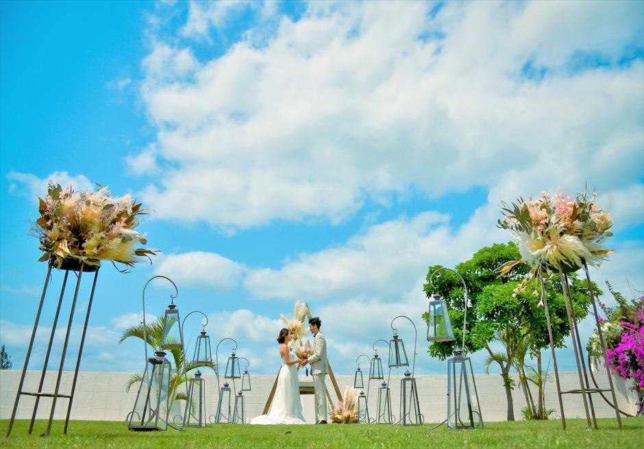 海邦フサキ石垣島・沖縄ヴィラ挙式 オーシャンフロント・ガーデン・ウェディング 美しい挙式シーン