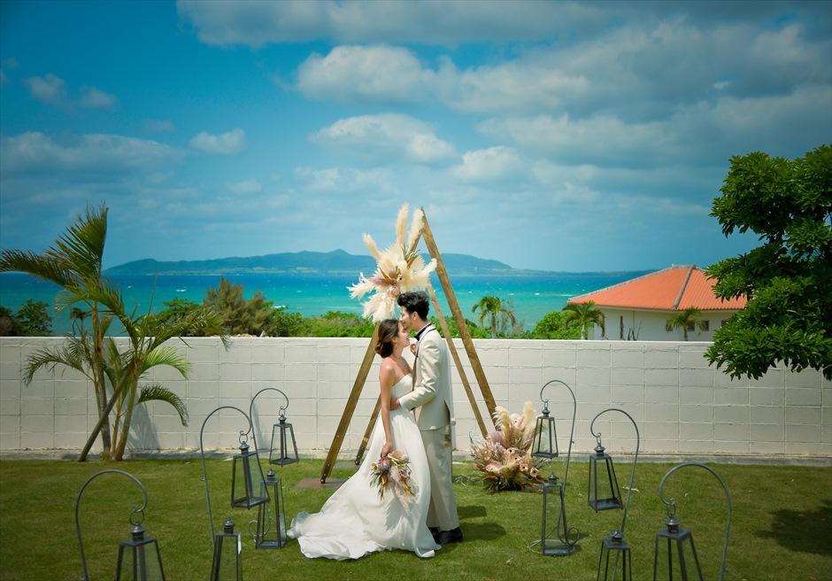 海邦フサキ石垣島・沖縄ヴィラ挙式 オーシャンフロント・ガーデン・ウェディング 幻想的な挙式シーン