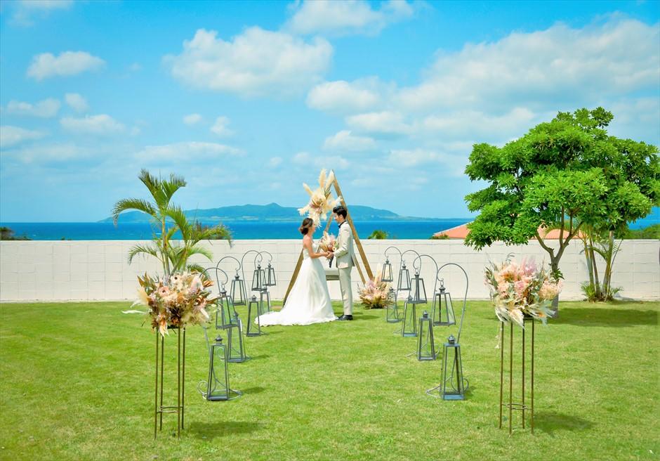 海邦フサキ石垣島・沖縄ヴィラ挙式 オーシャンフロント・ガーデン・ウェディング 挙式シーン全景