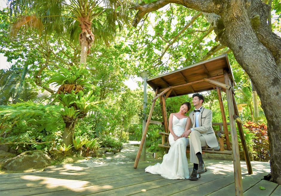舟蔵の里・石垣島フォトウェディング沖縄琉球伝統建築ガーデンにて