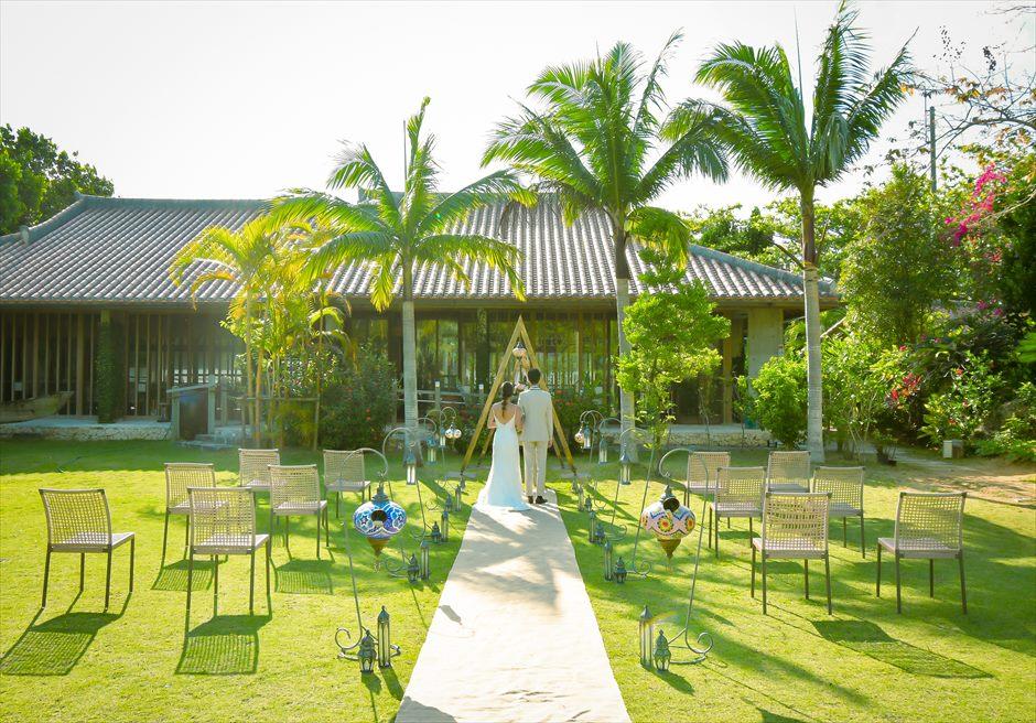 舟蔵の里・石垣島・沖縄結婚式 琉球古民家ガーデン・ウェディング 挙式シーン全景