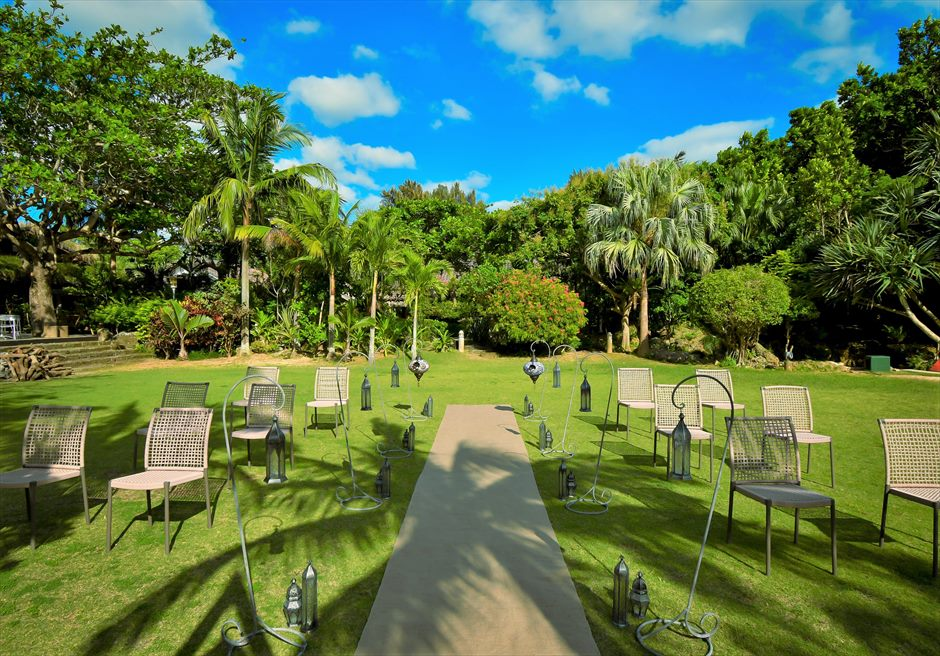 舟蔵の里・石垣島・沖縄結婚式 琉球古民家ガーデン・ウェディング 広大なガーデン挙式会場