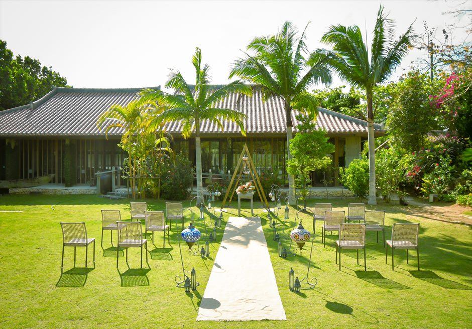 舟蔵の里・石垣島・沖縄結婚式 琉球古民家ガーデン・ウェディング 絵画のように美しい挙式シーン