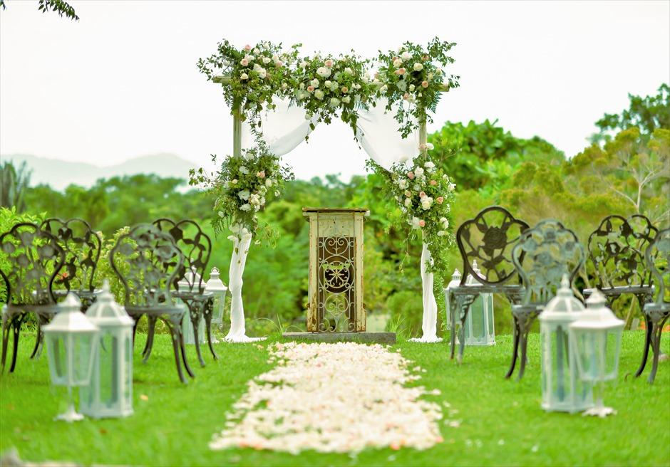 ハーブ・ガーデン・パナ石垣島沖縄結婚式│ヒーリング・ウェディング│生花の挙式会場装飾