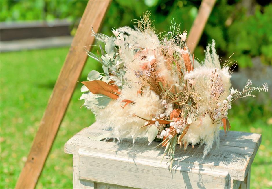 ホテル海邦川平・石垣島沖縄結婚式 ヘブンズ・ドア・ガーデン・ウェディング 祭壇センターピース・フラワー