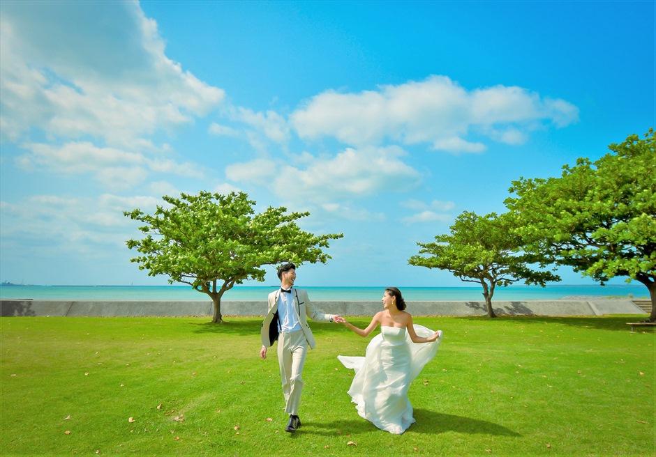 ホテル・ロイヤル・マリン・パレス石垣島海風吹き抜けるガーデンにて挙式前撮影