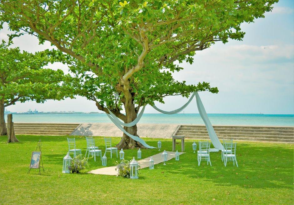 ホテル・ロイヤル・マリン・パレス石垣島結婚式│パーク・ツリー・ガーデン・ウェディング│大木の下でのガーデン挙式