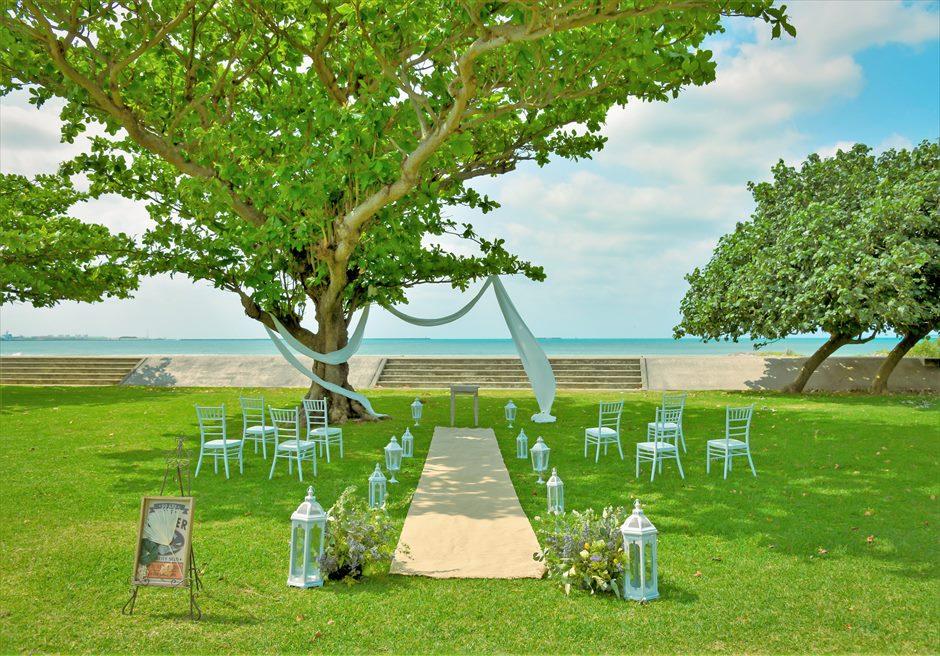 ホテル・ロイヤル・マリン・パレス石垣島結婚式│パーク・ツリー・ガーデン・ウェディング│青々とした美しい海を望む広大なガーデン挙式