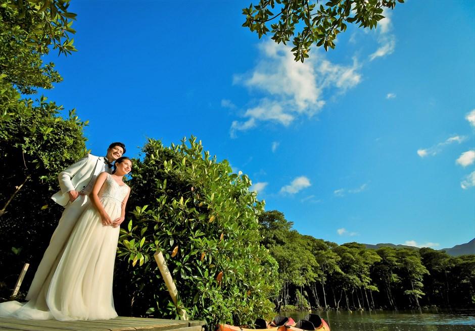 ジャングル・ホテル・パイヌマヤ西表島結婚式 マングローブ・フォトウェディグ 挙式前撮影 デイタイムの桟橋