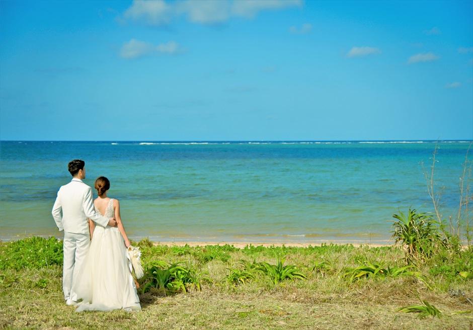 沖縄西表島結婚式ビーチフロント・デッキ挙式 ジャングル・ホテル・パイヌマヤ ビーチにて挙式後撮影