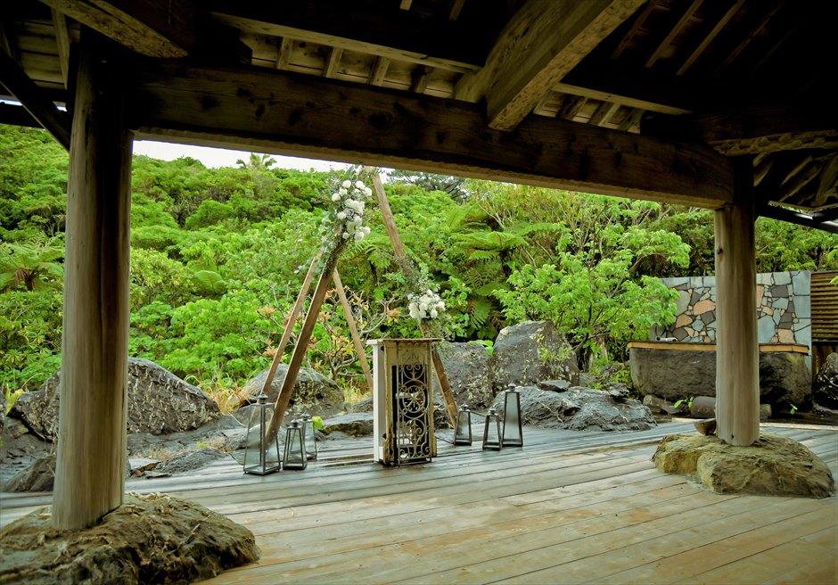 西表島結婚式・ジャングルホテル・沖縄挙式 パイヌマヤ・琉球ガゼボ・ウェディング 挙式会場装飾