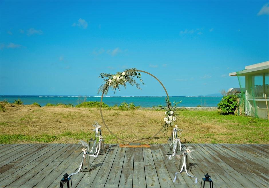 沖縄西表島結婚式ビーチフロント・デッキ挙式 ジャングル・ホテル・パイヌマヤ 挙式会場全景
