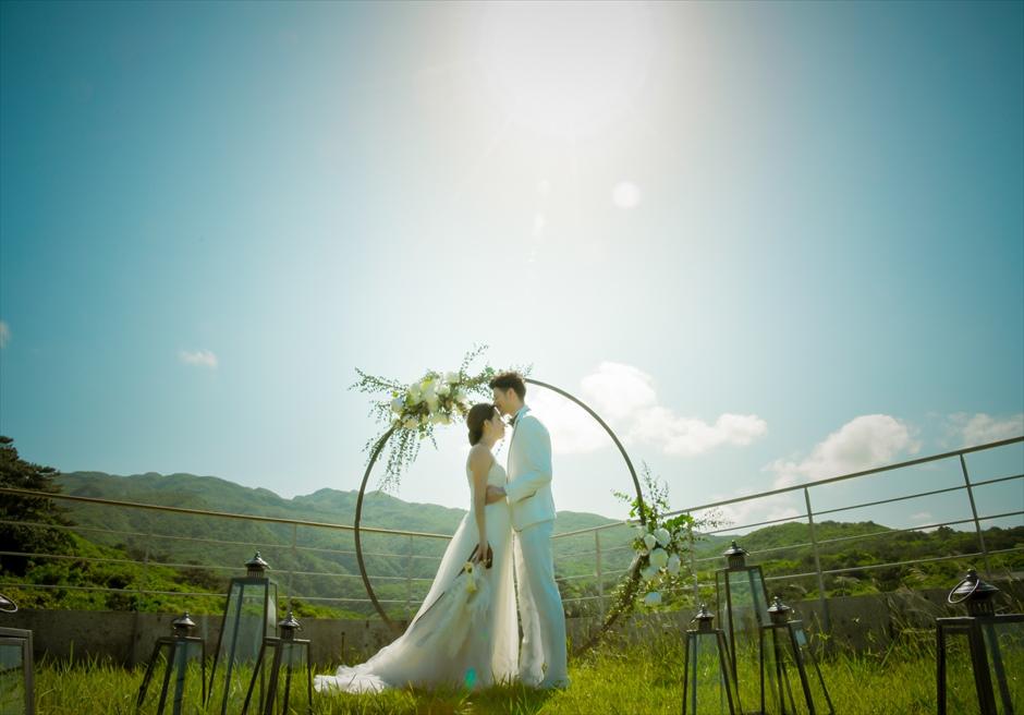 沖縄西表島挙式・ガーデン・ウェディング ジャングル・ホテル・パイヌマヤ結婚式 神々しい幻想的なガーデン挙式