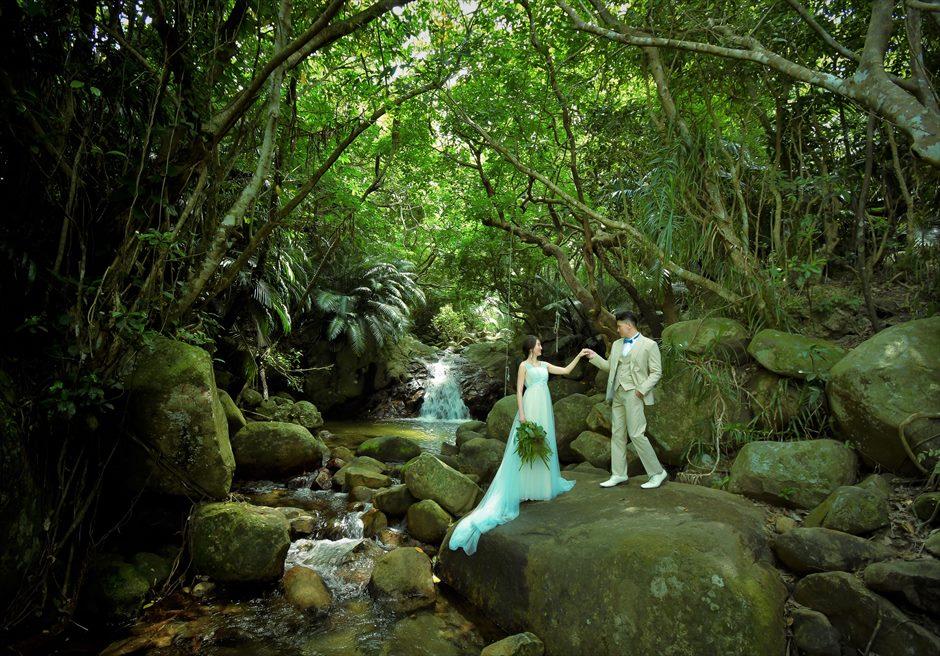石垣島フォトウェディング・荒川の滝