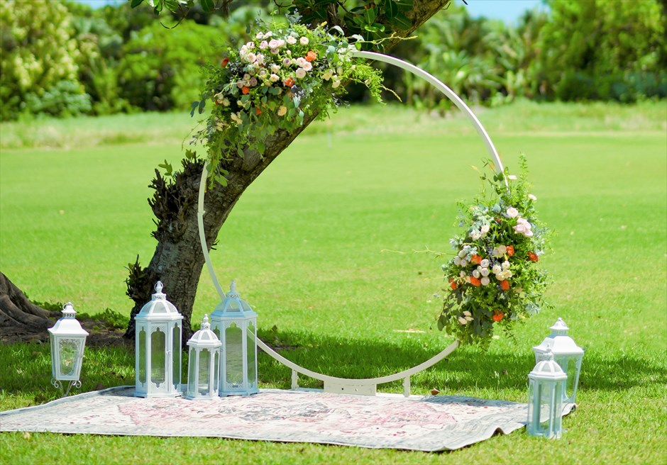 石垣シーサイドホテル挙式・結婚式 ツリー・ガーデン・ウェディング 生花挙式会場装飾
