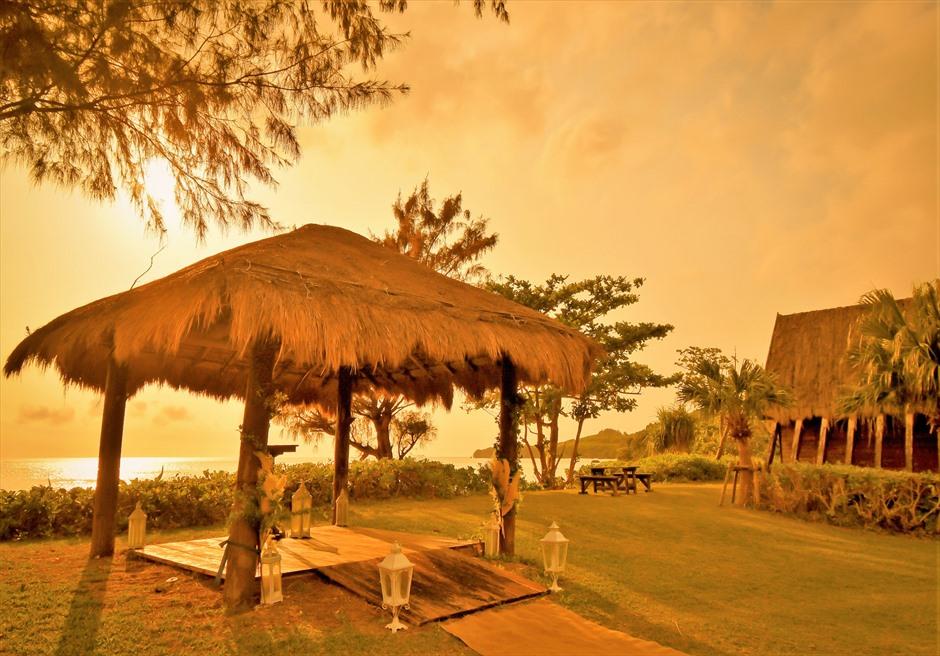 石垣シーサイドホテル・沖縄結婚式 ビーチフロント・ガゼボ・ウェディング サンセットタイム・挙式会場