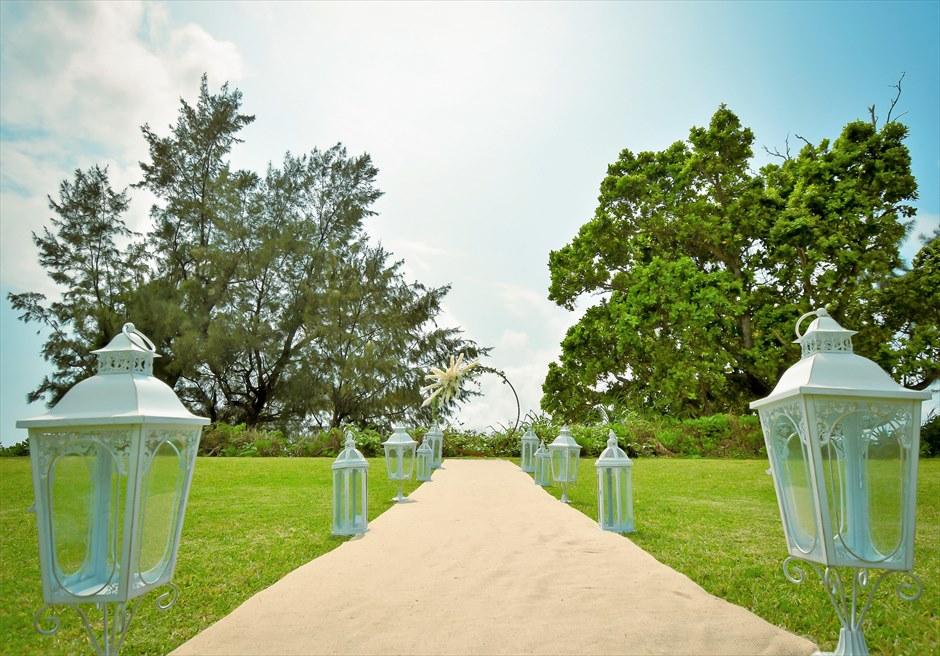 石垣シーサイドホテル・沖縄結婚式│ビーチフロント・ガーデン・ウェディング│ヘンプ(麻)のバージンロード
