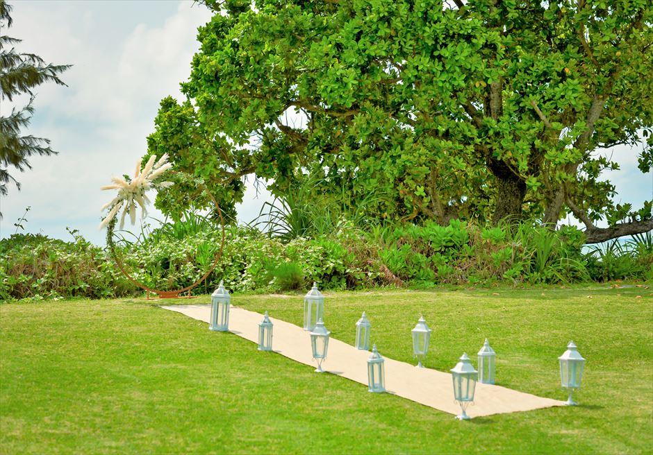 石垣シーサイドホテル・沖縄結婚式│ビーチフロント・ガーデン・ウェディング│挙式会場装飾