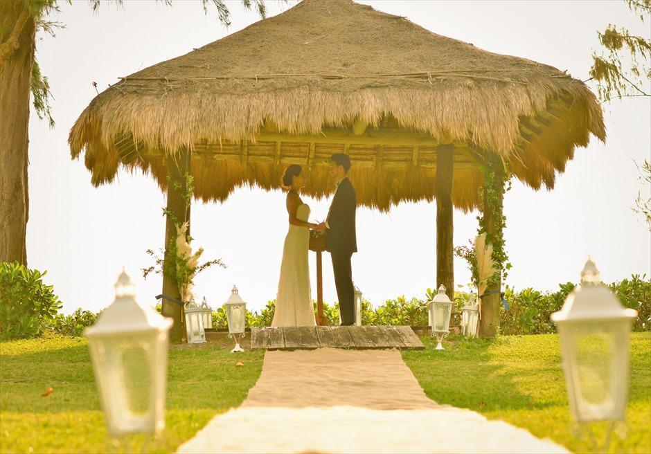 石垣シーサイドホテル・沖縄結婚式 ビーチフロント・ガゼボ・ウェディング 大自然を感じる挙式スタイル