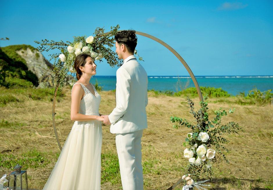 沖縄西表島結婚式ビーチフロント・デッキ挙式 ジャングル・ホテル・パイヌマヤ ホテルから車で約3分のリゾート・ビーチ