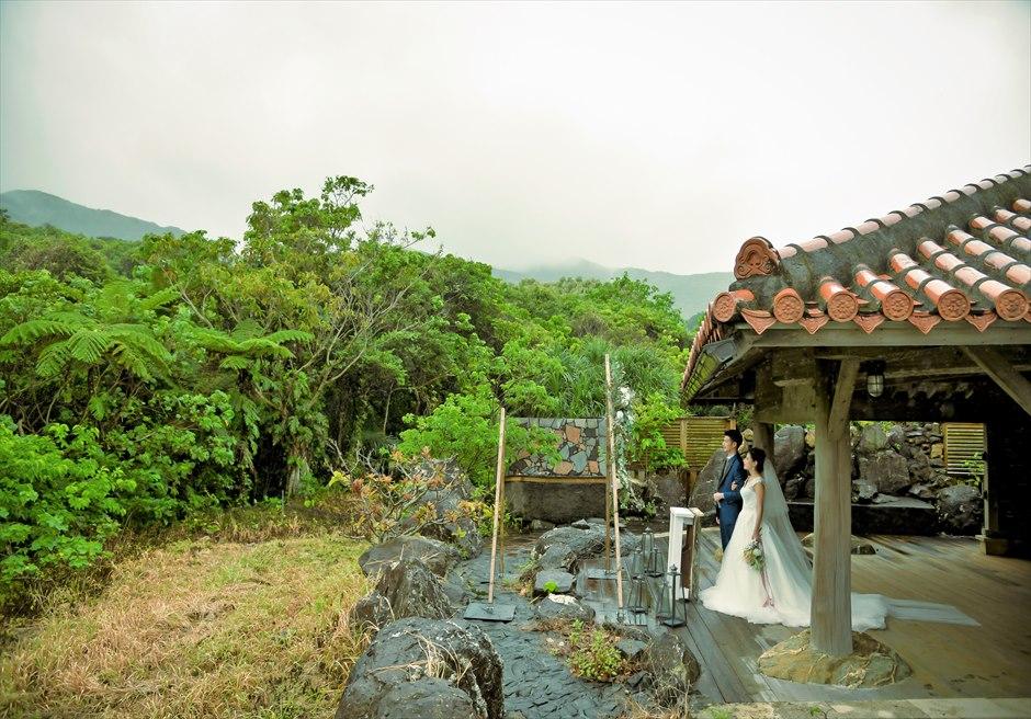 ジャングル・ホテル・パイヌマヤ西表島沖縄 琉球ガゼボ・ウェディング 美しい山々とジャングルを一望する挙式会場