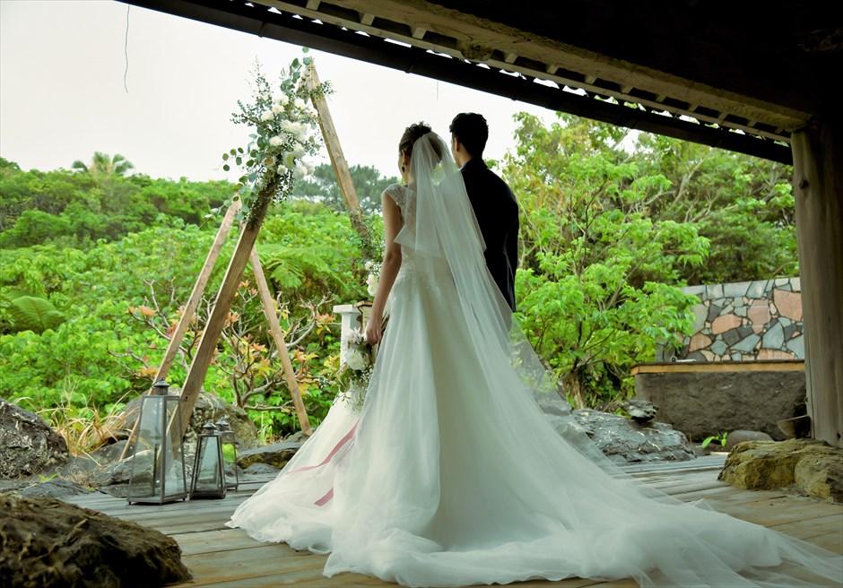 ジャングル・ホテル・パイヌマヤ西表島沖縄 琉球ガゼボ・ウェディング 西表島ならでは美しい景観を望む挙式会場