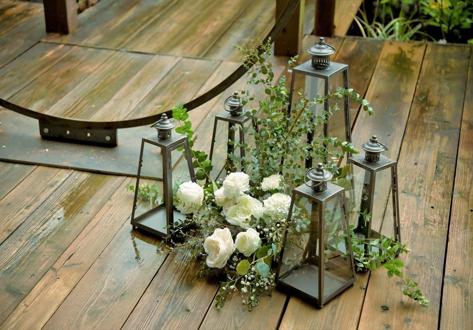 ジャングル・ホテル・パイヌマヤ西表結婚式 ブリッジ・デッキ・ウェディング 挙式会場生花装飾