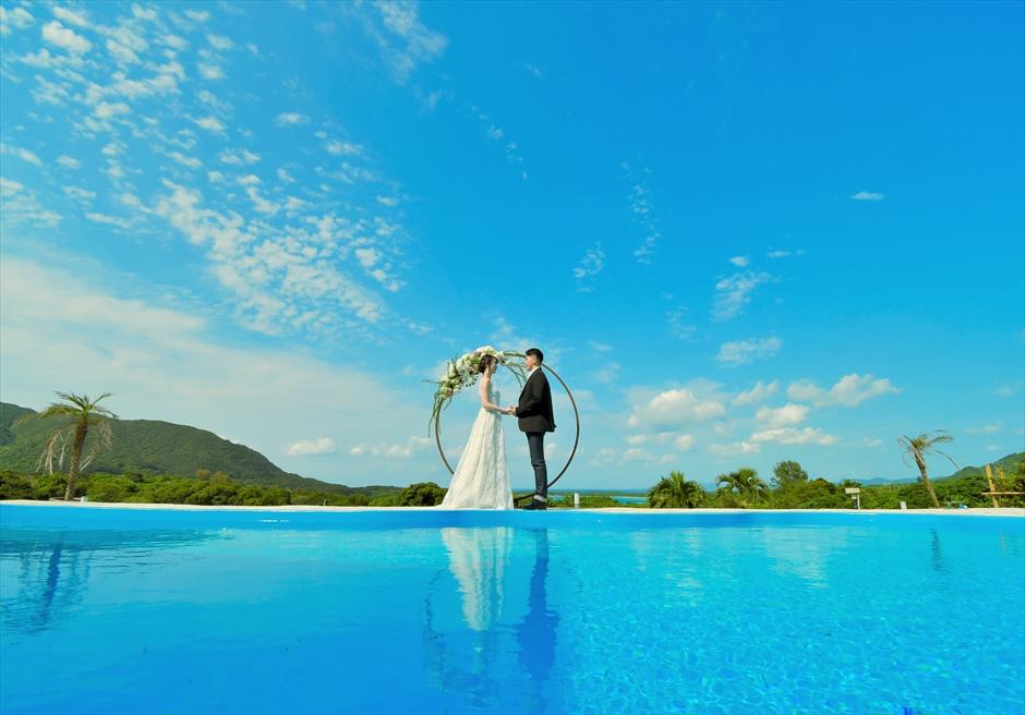 ホテル海邦川平石垣島・沖縄結婚式│インフィニティ・ウェディング│水面が美しいウォーター・ウェディング