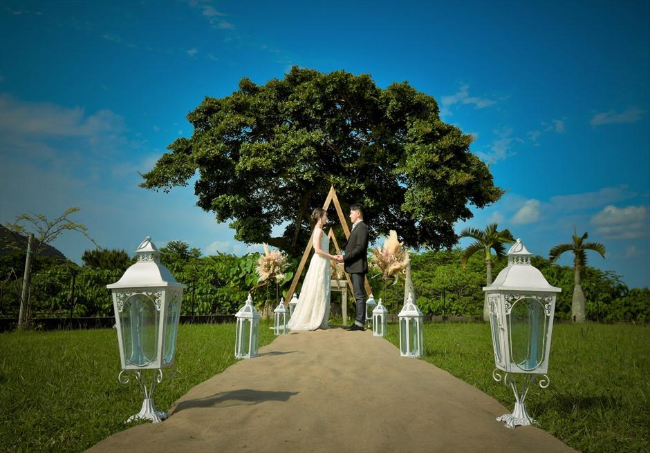 ホテル海邦川平・石垣島沖縄結婚式 ヘブンズ・ドア・ガーデン・ウェディング 幻想的なガーデン挙式