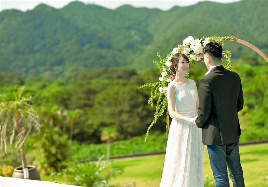 ホテル海邦川平石垣島・沖縄結婚式│インフィニティ・ウェディング│山々に囲まれた大自然を感じる挙式