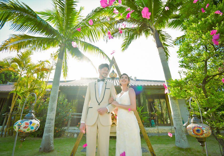 舟蔵の里・石垣島・沖縄結婚式 琉球古民家ガーデン・ウェディング 生花のフラワーシャワー