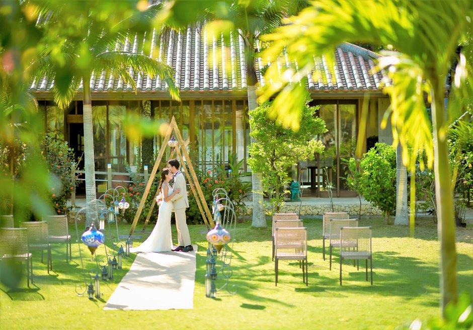 舟蔵の里・石垣島・沖縄結婚式 琉球古民家ガーデン・ウェディング 熱帯雨林の生い茂る挙式会場