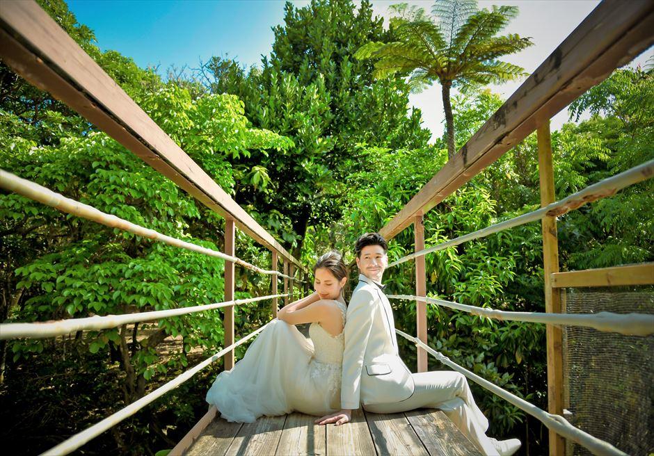 パイヌマヤ西表島沖縄 ジャングル・ホテル ブリッジ・デッキ・ウェディング 挙式後ブリッジ撮影